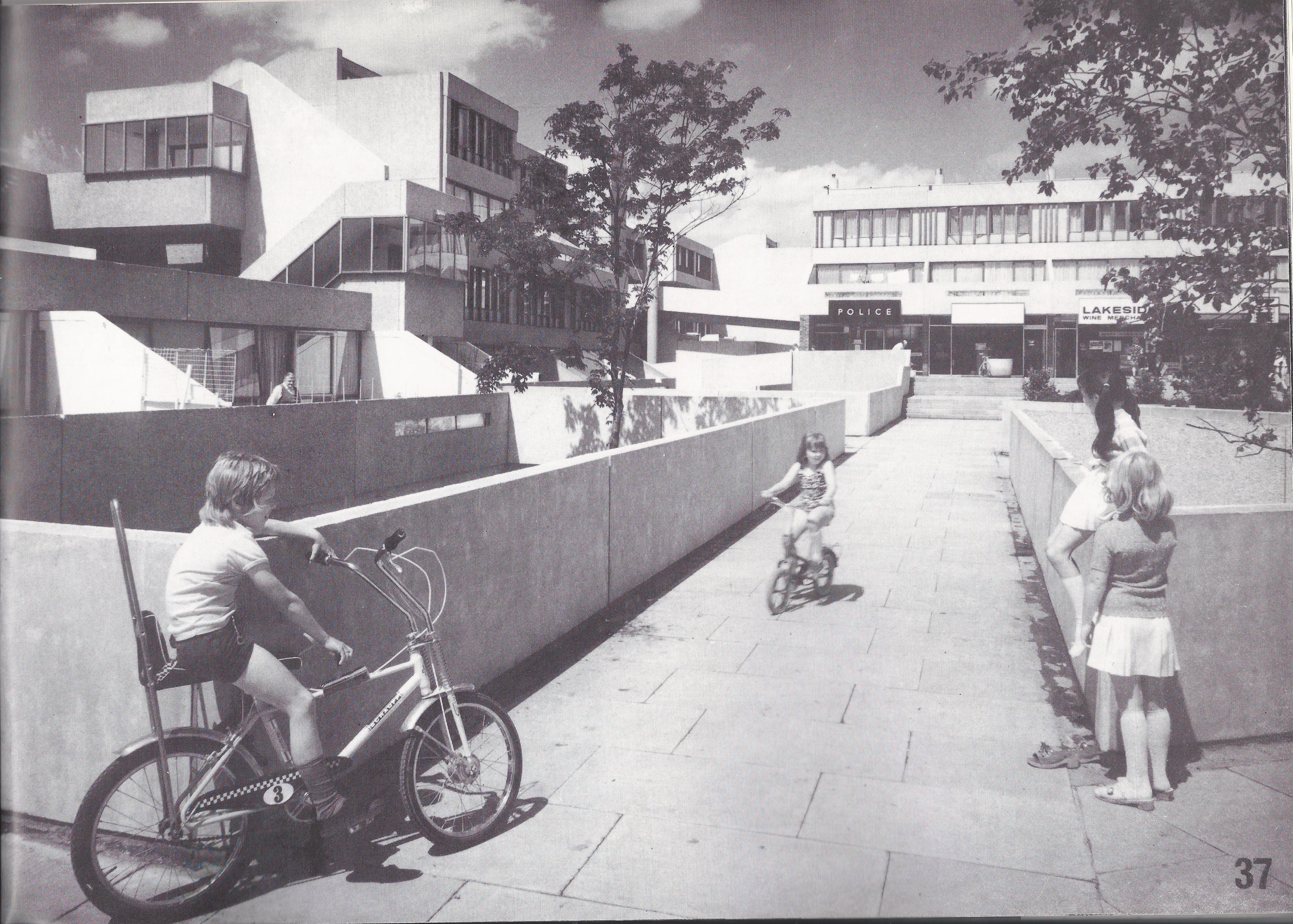 thamesmead children playing 1970s