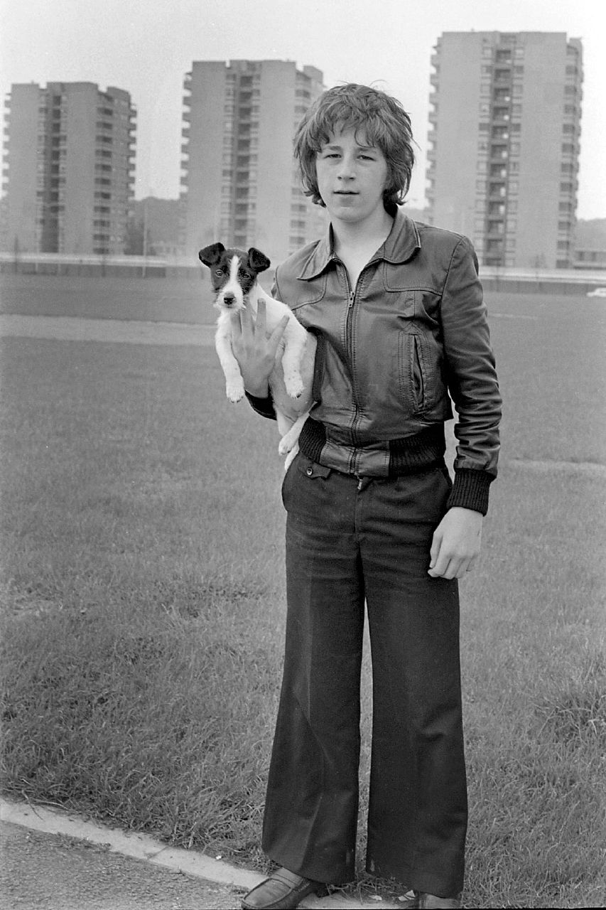 thamesmead schoolboy with dog 1970s