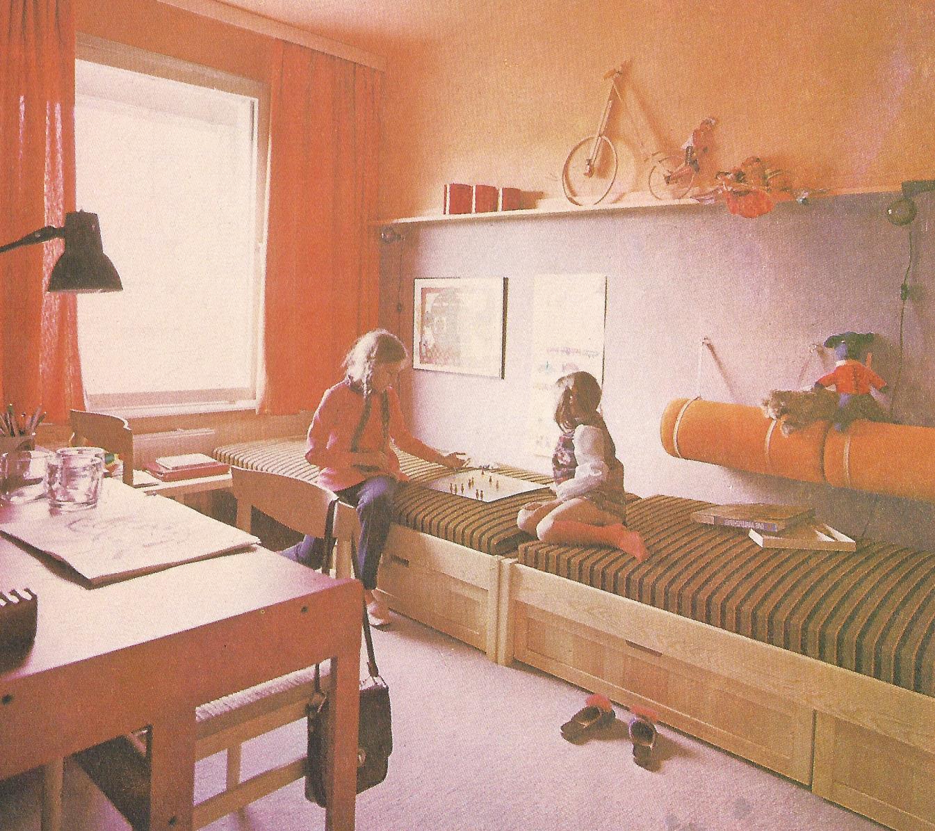 childrens adjacent beds